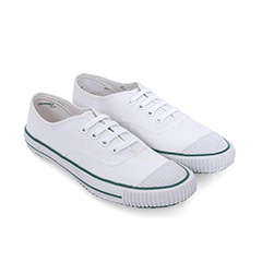 BATA TENNIS VINTAGE SHOES IN WHITE