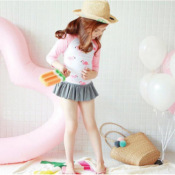E8822女童長袖防曬長袖紅鶴泳衣(附泳帽)