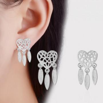 精緻 韓國簡約時尚氣質捕夢網鋯石愛心葉片耳釘(防過敏)-銀色