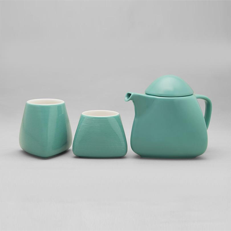 Absolute Conquest /Tea set