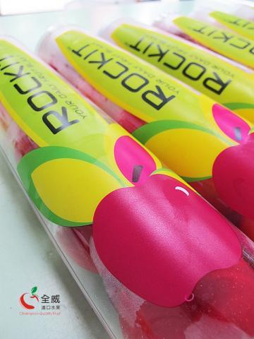 紐西蘭甜心小蘋果(5罐/盒),在市場深受許多家庭喜愛,超人氣的超甜小蘋果