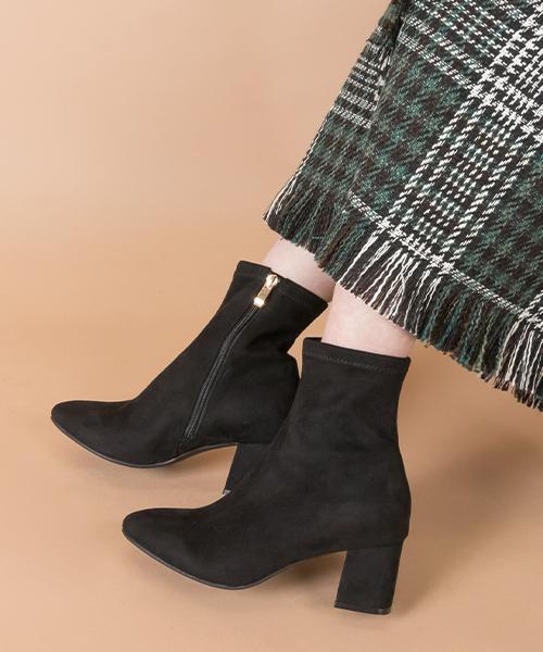 百搭款 時尚柔軟貼腿粗跟短靴/KC9579