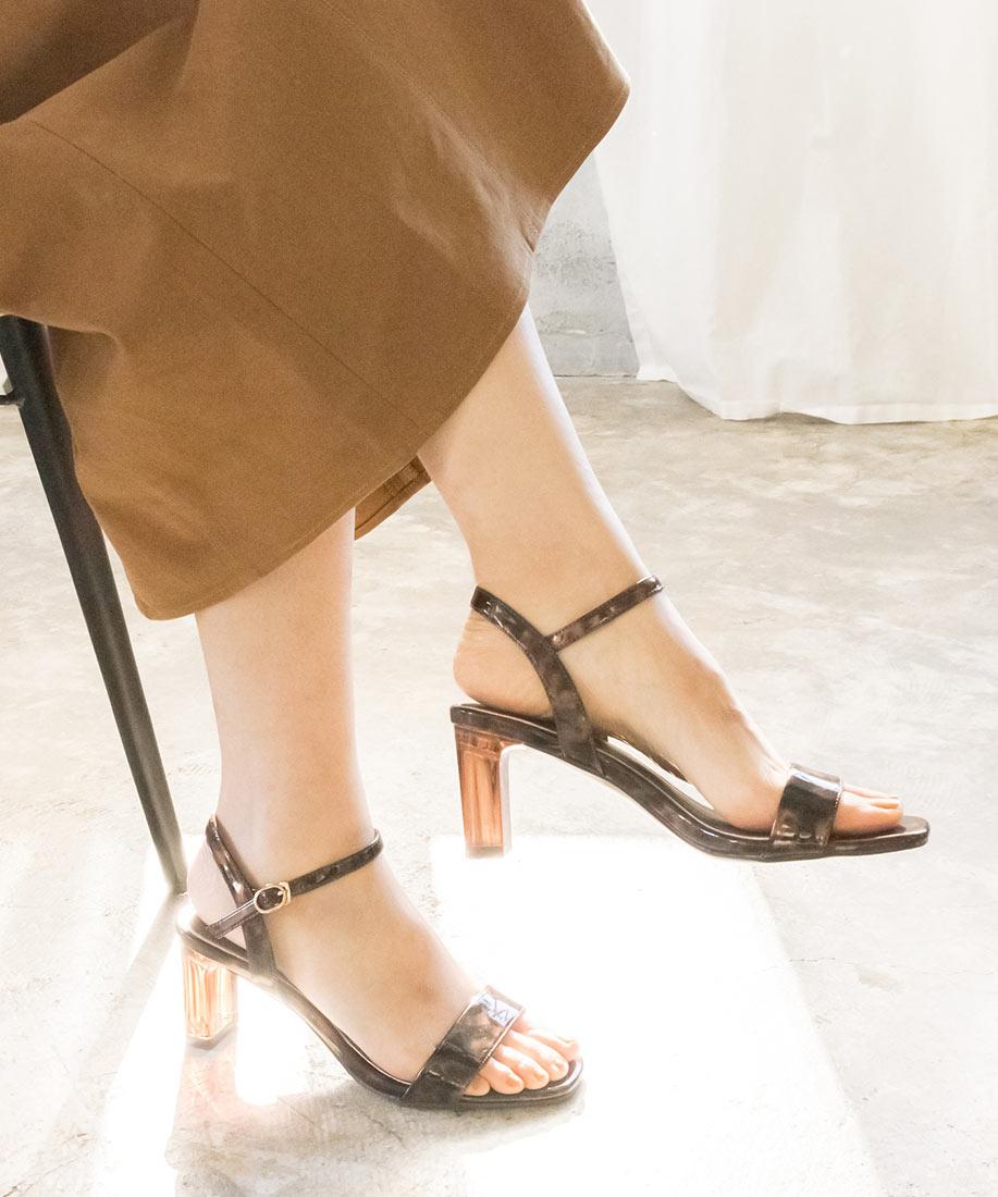 透明跟一字方頭涼鞋/DS10070