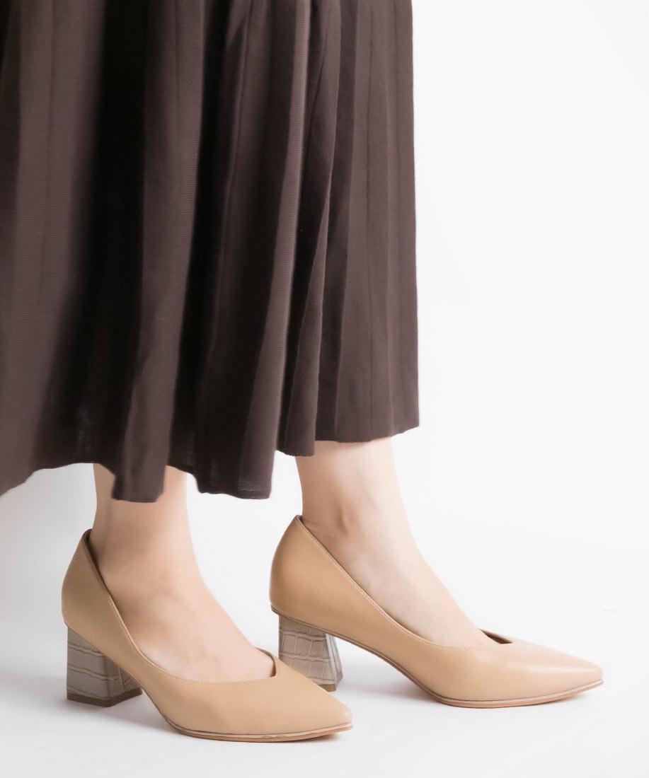 V剪裁柔軟尖頭粗跟鞋/DP10508