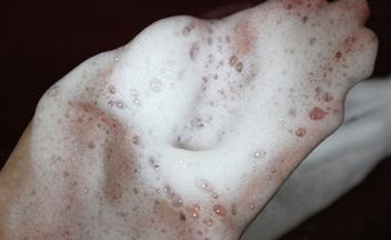 洗臉霜用得多看得多~洗臉紙有看過嗎?