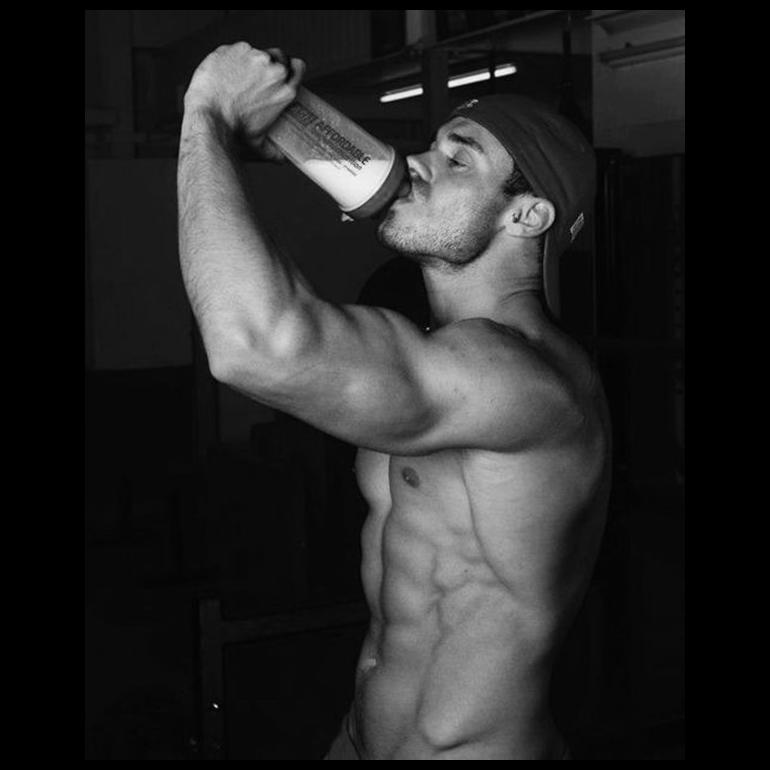 <p>喝牛奶可以令肌肉更結實?</p>