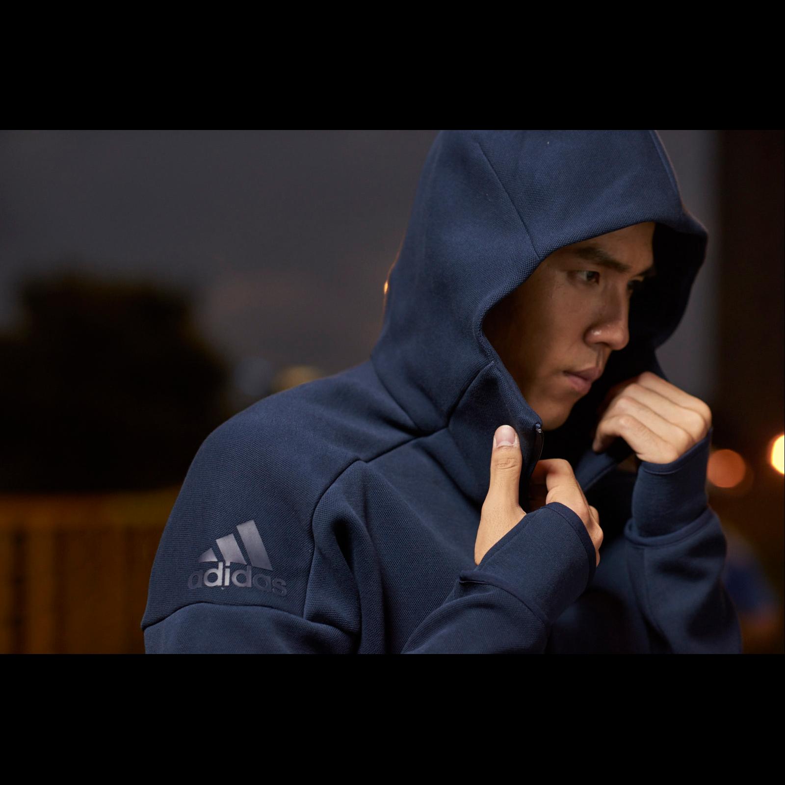 秋冬時髦最首選,adidas Z.N.E. Hoodie加入潮流最前線