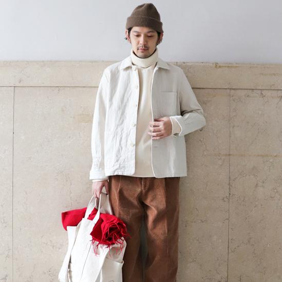 <p>即刻營造好感印象!利用「純白夾克」描繪出男子的簡約與俐落</p>
