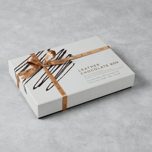文具也可以很優雅!日本職人皮革包品牌「土屋鞄製造所」推出情人節限定商品