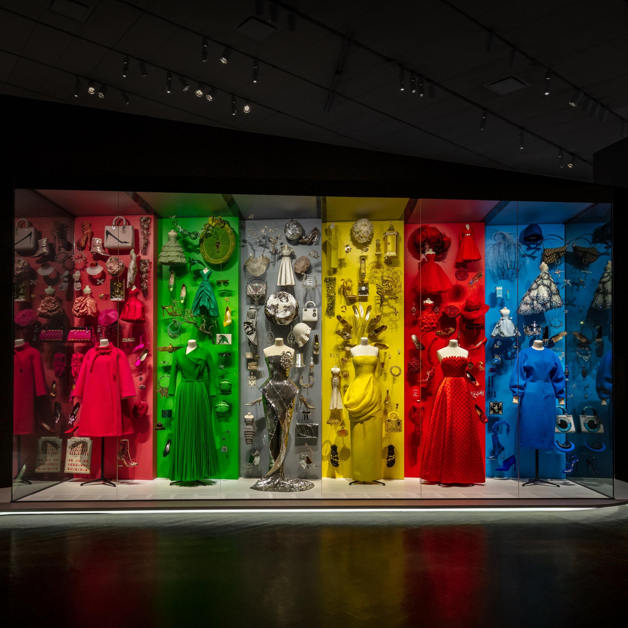 丹佛藝術博物館「DIOR:從巴黎走向世界」展覽