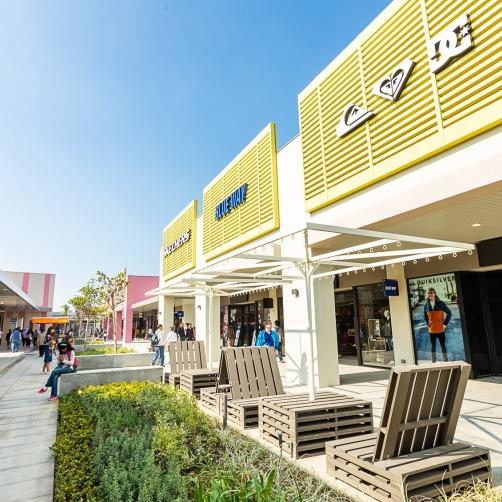 60 公尺高海景摩天輪、海港觀景台、綠茵步道、創意貨櫃市集!「MITSUI OUTLET PARK 台中港」即將開幕