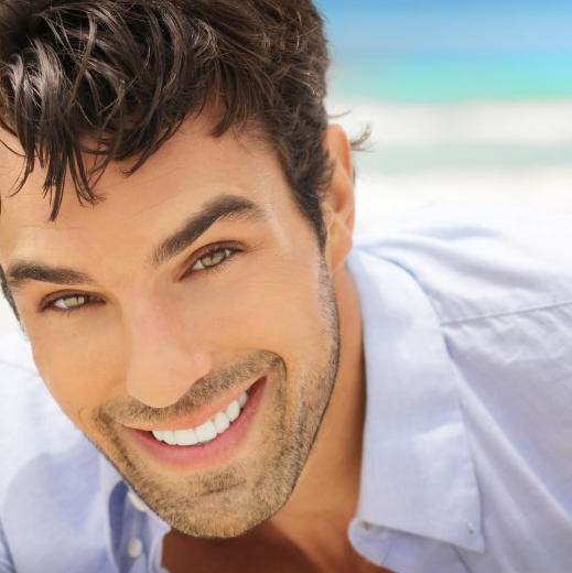 <p>不一定只能照藍光 5個天然原料DIY讓你牙齒超白!</p>