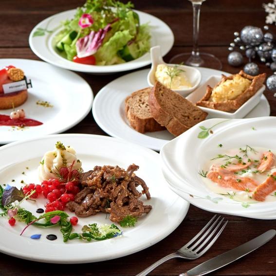 <p>用北歐經典芬蘭菜告別 2018!台北福華大飯店盛大舉行年末系列聖誕活動</p>