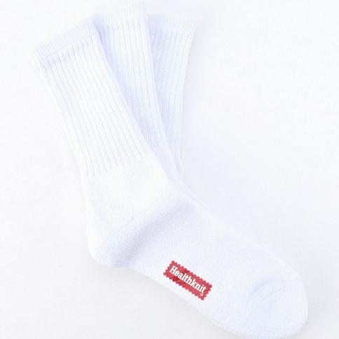 炎炎夏日的簡單層次,不能錯過的襪子定番穿搭法