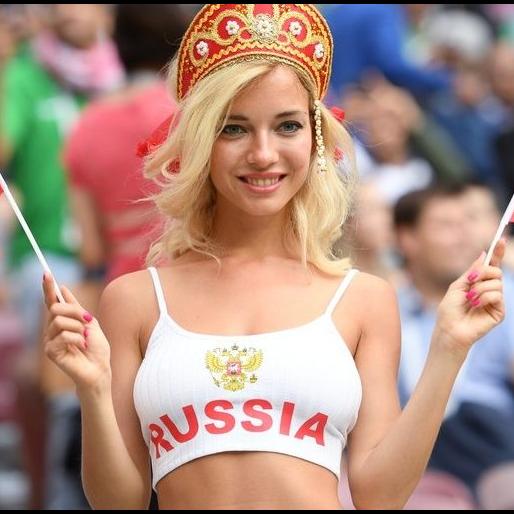 這位女球迷好搶眼! 俄羅斯金髮女原來是AV女優?