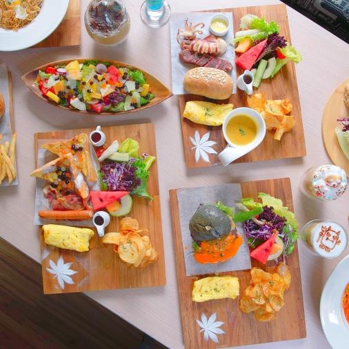 <p>台中必訪爆紅打卡聖地!時尚餐廳榙比歐卡 Tapioca 將色彩繽紛的天然粉圓融入料理</p>
