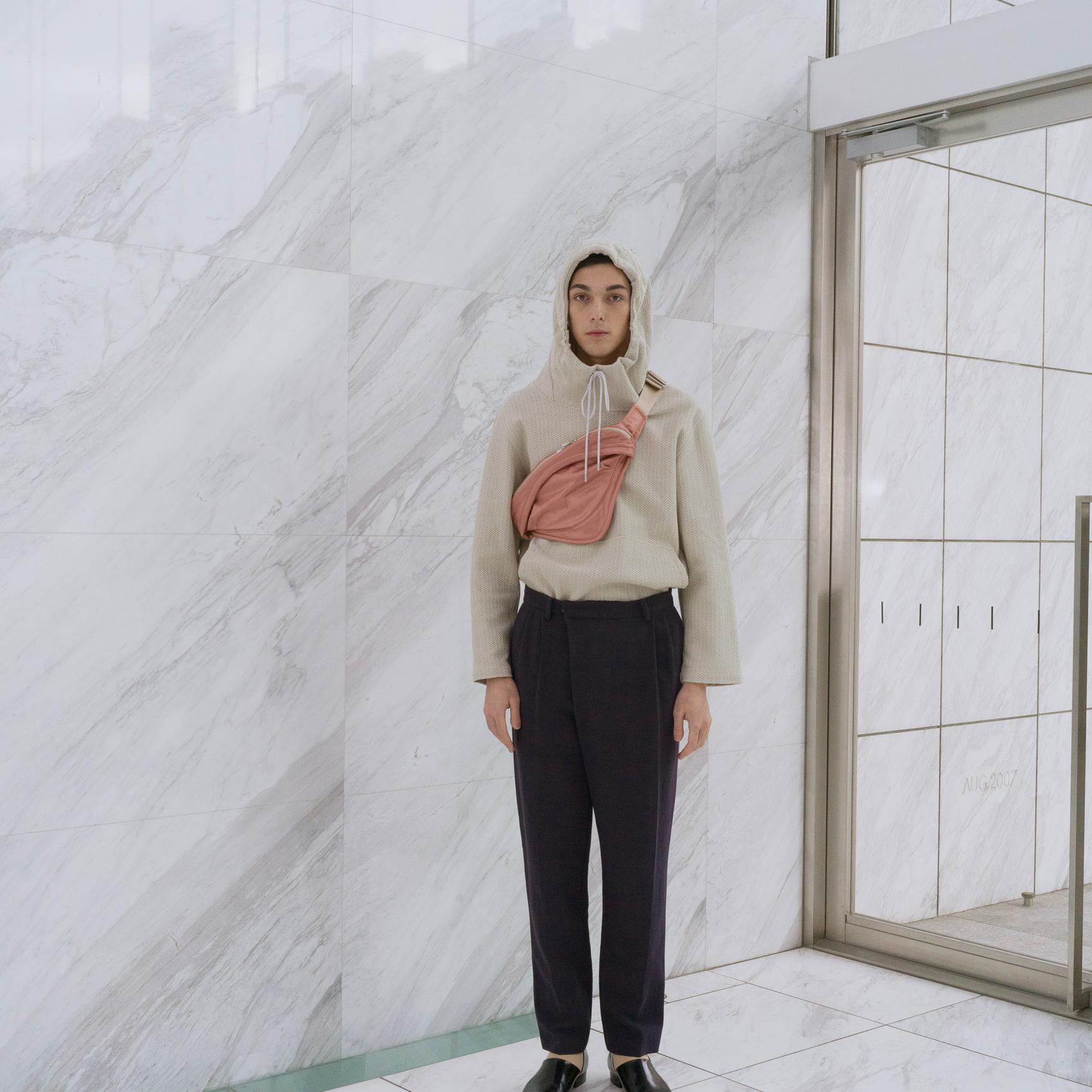 主打連帽衫而備受矚目,日本設計師品牌 HATRA 春夏紳裝新作也令人期待