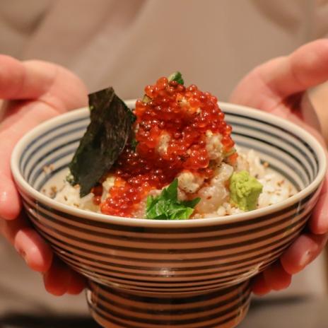 <p>「這間餐廳」在日本掀起新式海鮮丼模仿風潮,在台還推出全球獨賣的奢華海鮮丼飯!</p>
