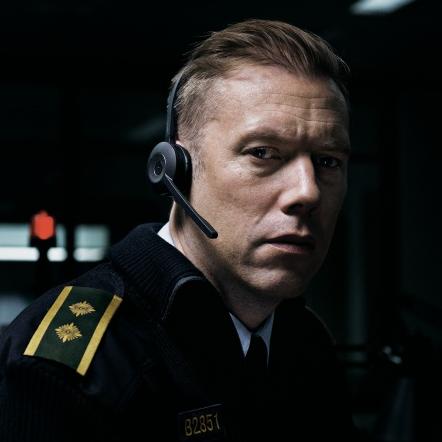 <p>令人不寒而慄的綁架案!31 歲丹麥導演僅用單一場景和精彩對白...就讓這部電影轟動了 2018 日舞影展</p>
