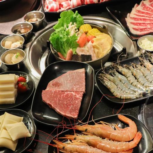 新鮮大湖草莓、澳洲和牛吃到飽!這家餐廳不計成本決心滿足顧客的胃