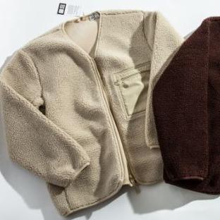 <p>UNIQLO 超乎想像的人氣單品!看日本男生示範的毛絨外套穿搭</p>