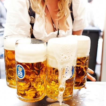 <p>大口吃肉、大口喝酒!「德國慕尼黑啤酒節」降臨高雄</p>