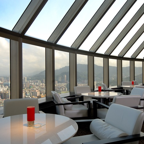 <p>IG 爆紅打卡點!賞景喝下午茶、放鬆大口喝酒的祕密基地「馬可波羅酒廊」</p>