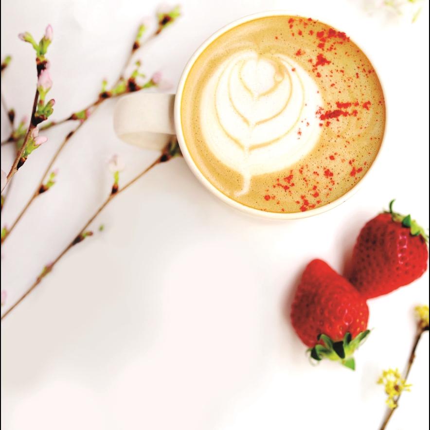 <p>春暖花香!東京名店猿田彥珈琲推「花香草莓拿鐵X芙蓉花磅蛋糕」</p>