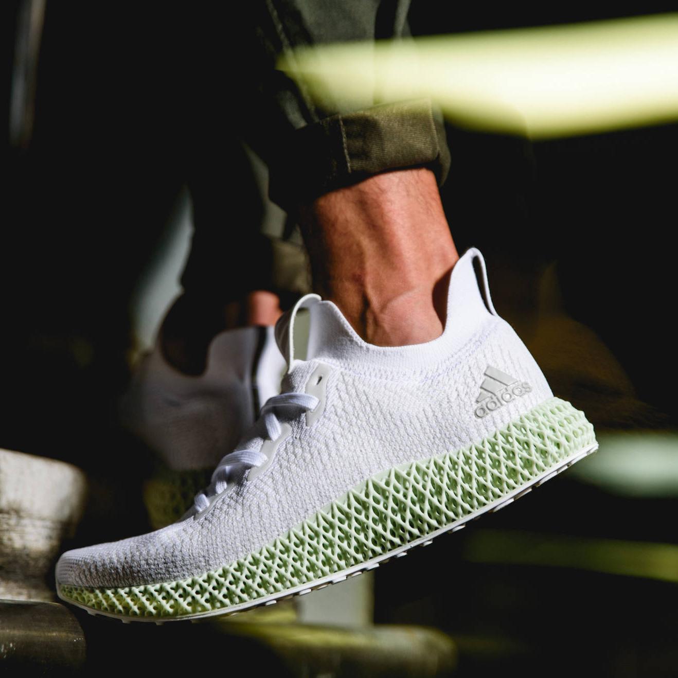 adidas 獨創 4D 科技中底數位化製鞋技術改寫歷史!