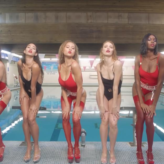 <p>終極噴血內衣廣告 22位專業舞者盡情扭動</p>