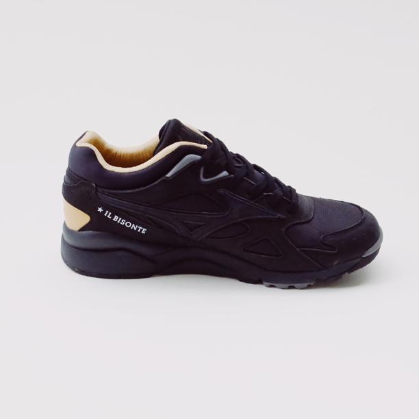 再次刷新印象!「MIZUNO 美津濃」與義大利皮件品牌「IL BISONTE」推出聯名話題鞋履
