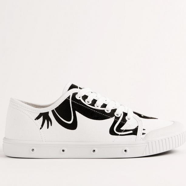 蜥蜴圖騰躍上傳奇鞋履─agnès b. x Spring Court