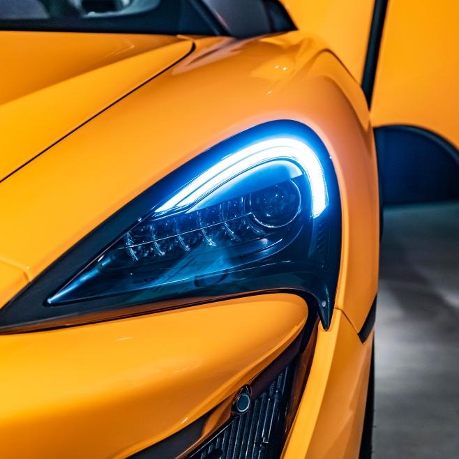 難以企及的極致駕馭體驗!McLaren 全新 600LT Spider 日內瓦車展正式亮相