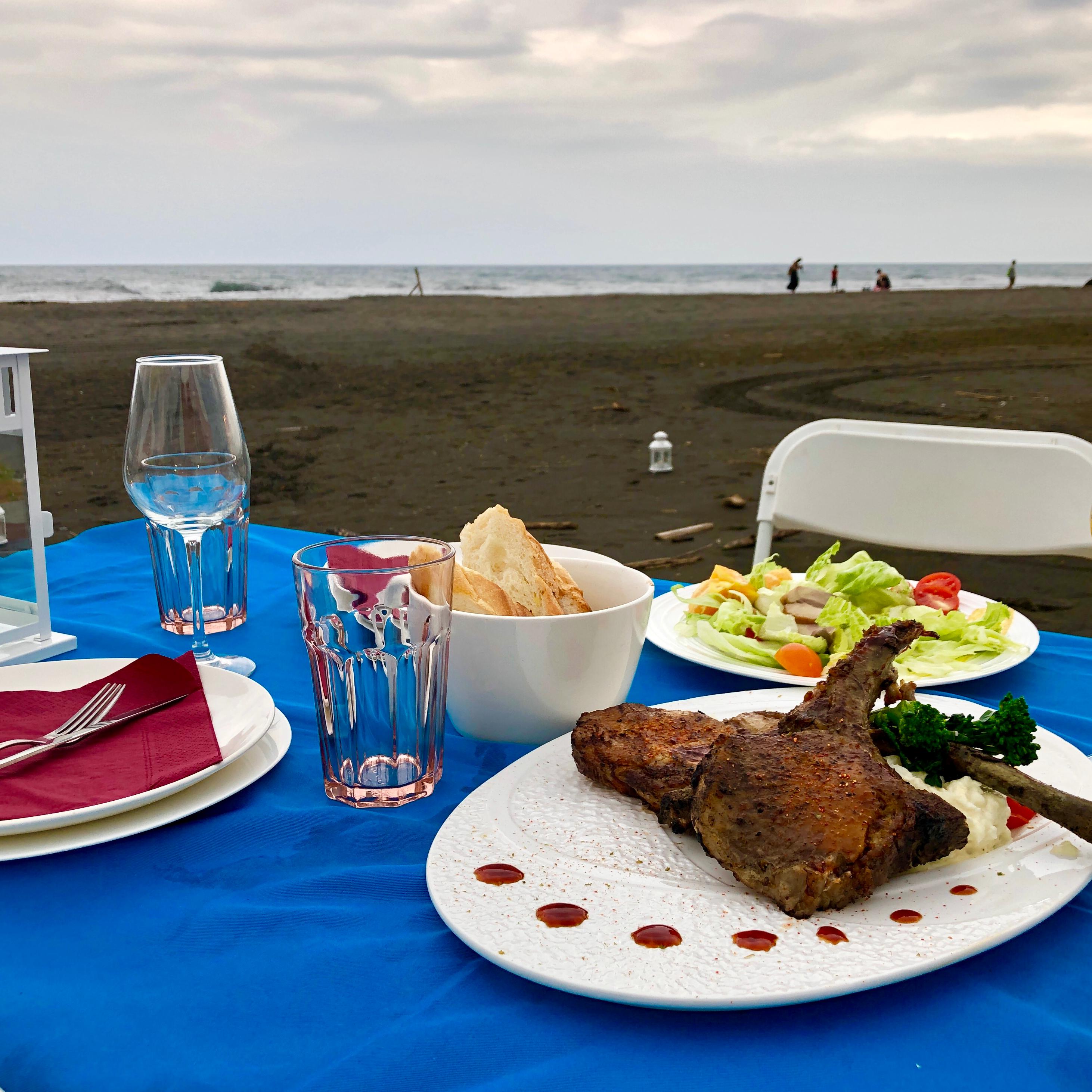以五感深度體驗蘭陽采風!全台首見「海派食尚餐桌」海灘美食主題餐宴