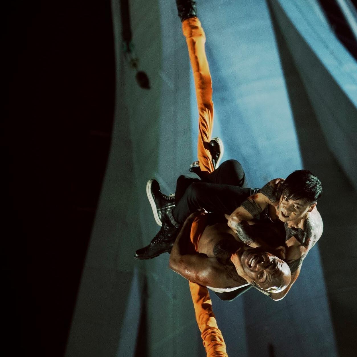 火爆警匪動作強片《九龍不敗》 張晉半裸對決世界拳王 打上澳門高空塔