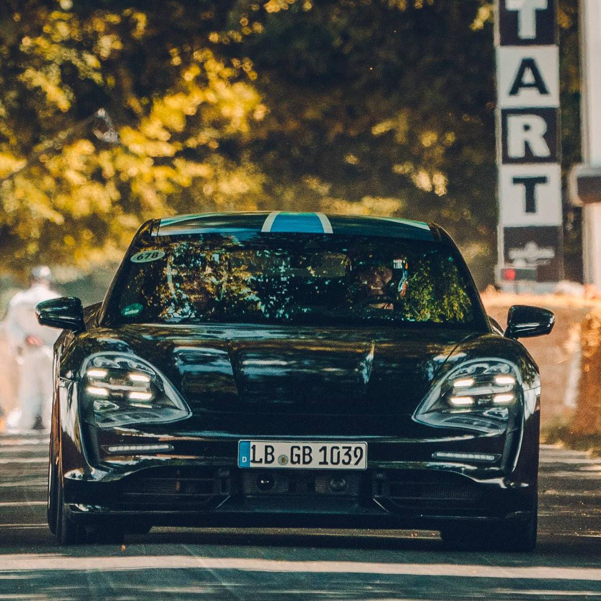 超過 600 匹馬力!Porsche Taycan 全新純電跑車今年 9 月全球首演登場