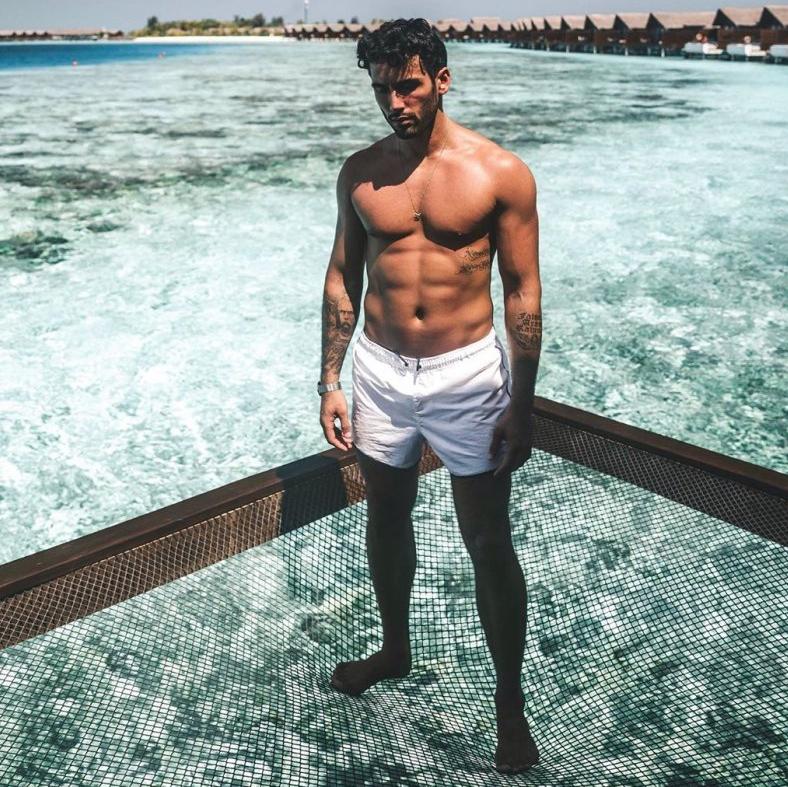 馬爾地夫網紅打卡酒店   床一轉身就可跳入水中游泳
