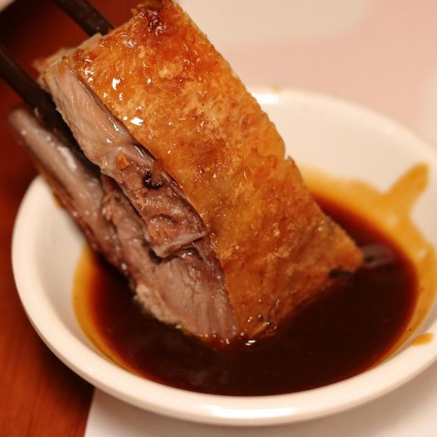 <p>必嚐隱藏版粵式燒臘逸品!香港米其林一星「甘牌燒味」新菜開賣</p>
