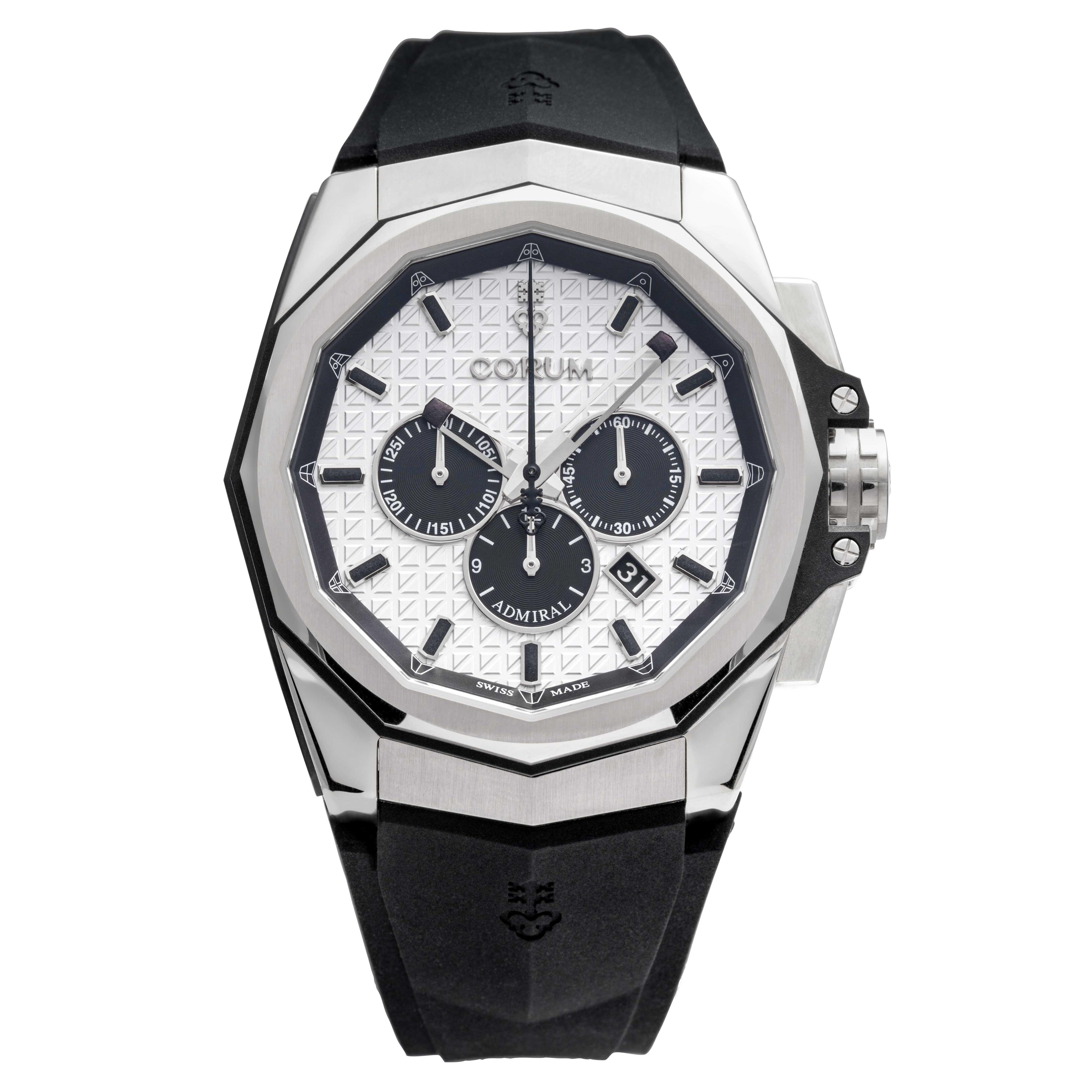 全新 CORUM 海軍上將三眼計時碼錶系列