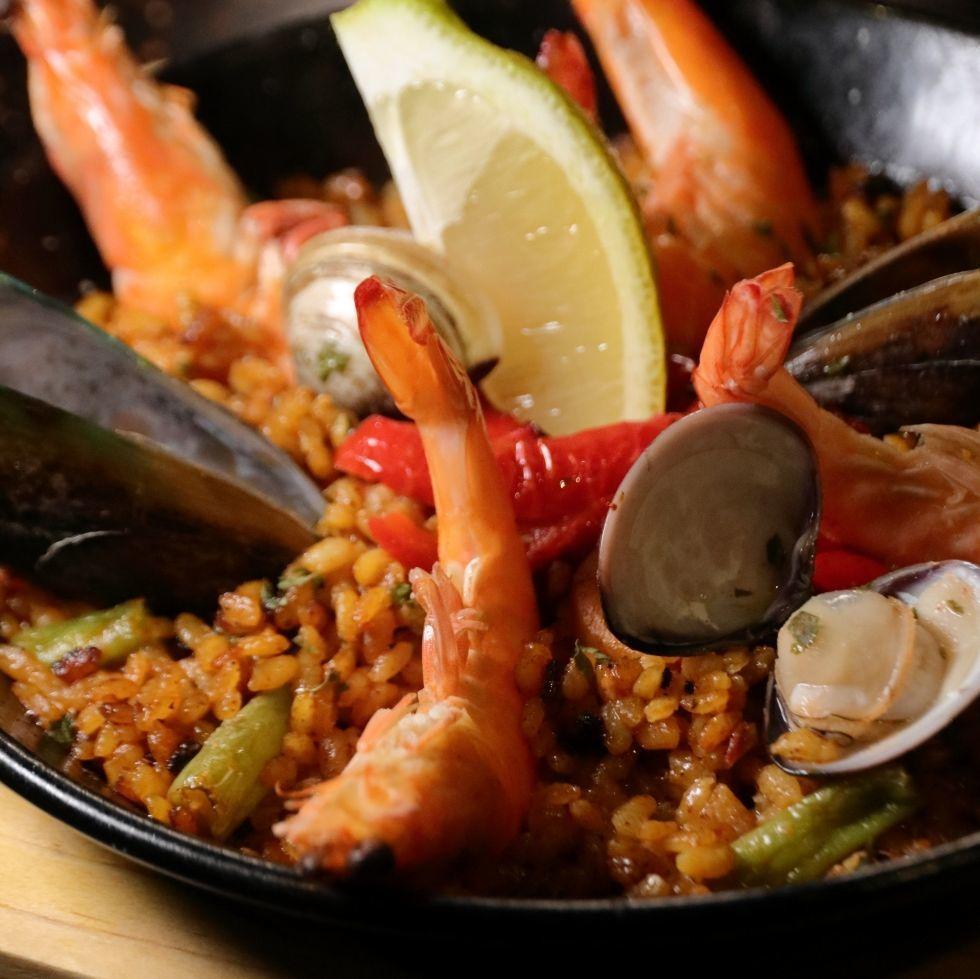 現切優質伊比利亞火腿、國寶級奶酪、招牌海鮮燉飯!JUJU Spanish Gastrobar餐酒館提供最道地的西班牙料理
