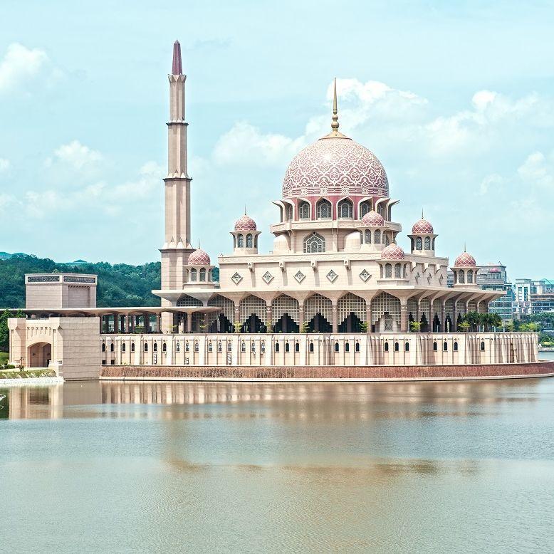 近賞粉紅清真寺、年度最大皇家花卉節!一遊馬來西亞最美的花園城市-「布城」