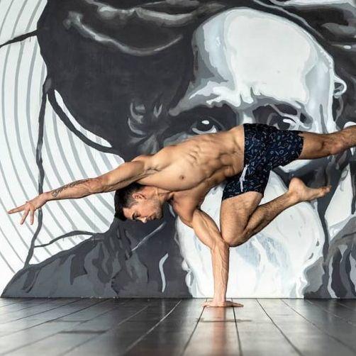 男士愛瑜伽!4個都市人修練的理由