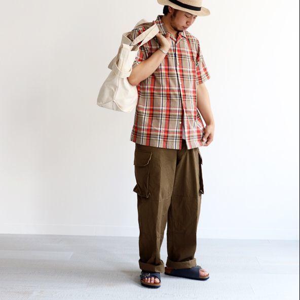 初秋的多變風格就用「軍褲」來完成!日本店員的「軍裝寬褲」搭配示範