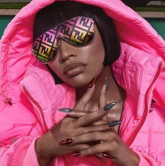 Nicki Minaj攜手Fendi推出聯名系列!靈感出自歌曲〈Chun Li〉