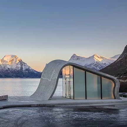 挪威最美公廁!360度欣賞北極光、海景