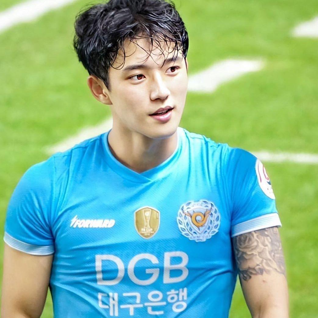 又一個新男神運動員!韓國鮮肉足球員鄭承原!
