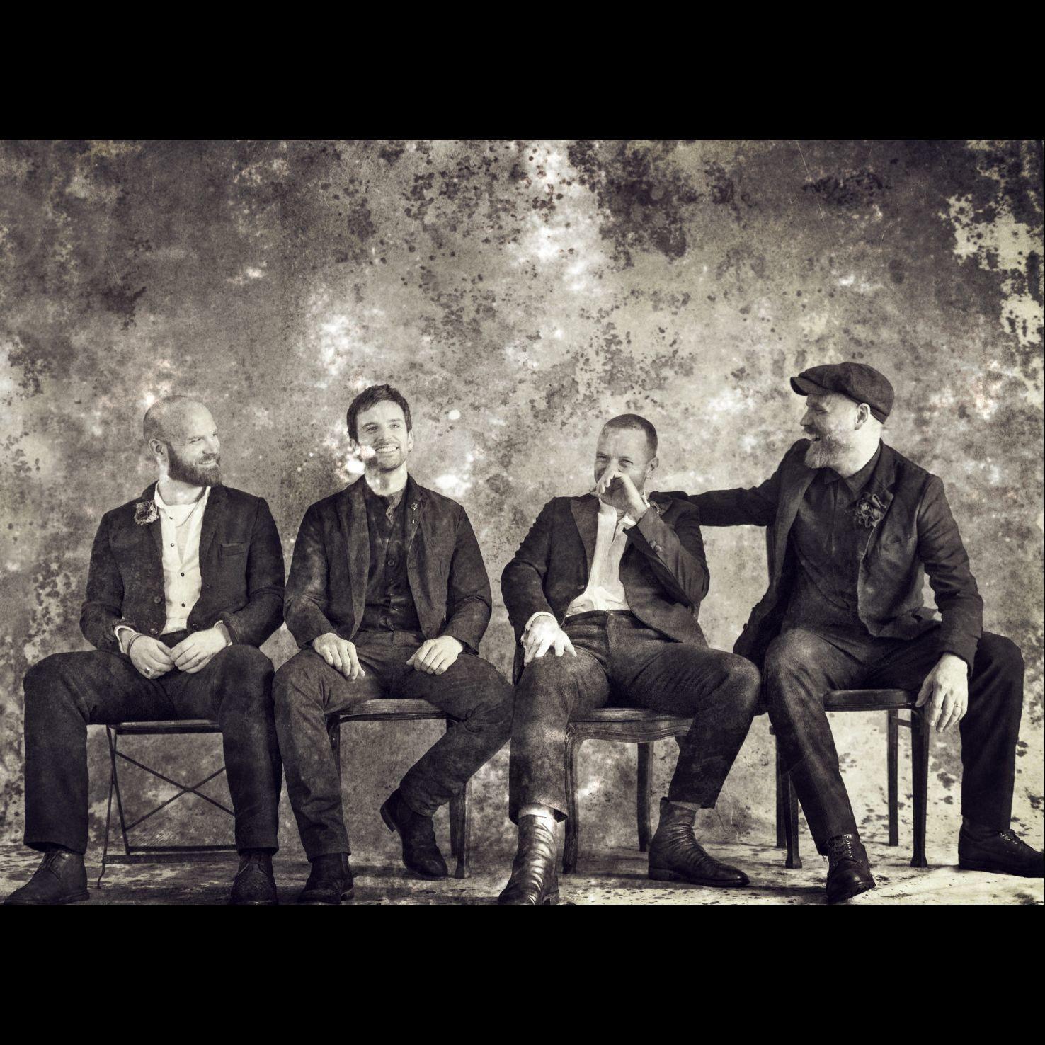 酷玩樂團 Coldplay 相隔 4 年推出全新專輯《Everyday Life》,忠實反映出他們對於世界強烈的「愛與同理心」!