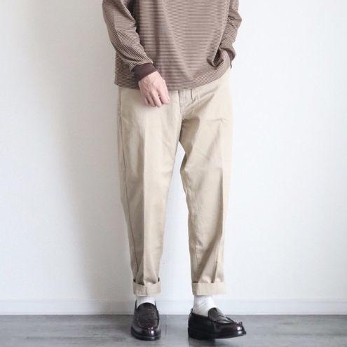 原來還可以這樣搭!5 套永遠穿不膩的卡其褲好感穿搭示範