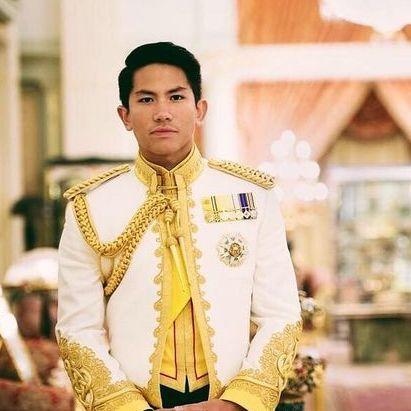 又有新的帥王子啦!零死角汶萊王子出席天皇登基爆紅!