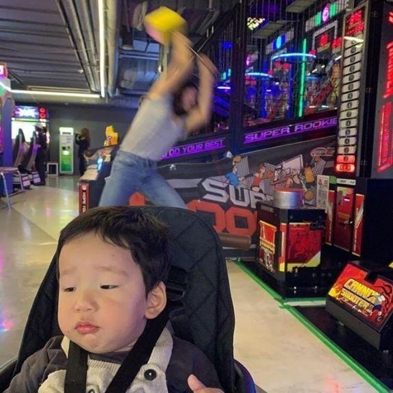 韓女星瘋狂媽媽的日常!網友感嘆就連女星照顧小孩也是很大壓力的~
